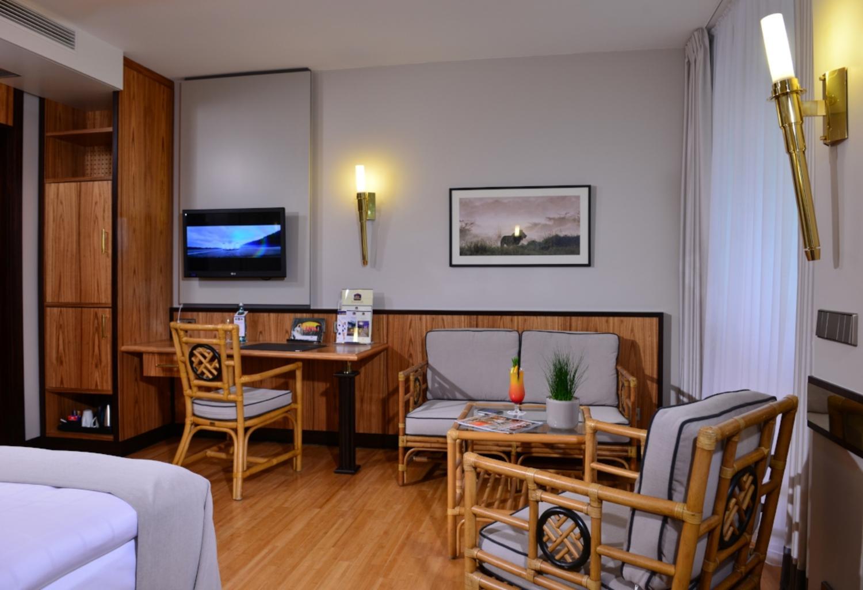 sternzeichenzimmer im parkhotel kronsberg hannover. Black Bedroom Furniture Sets. Home Design Ideas